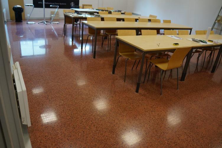 rénovation béton poli salle de classe