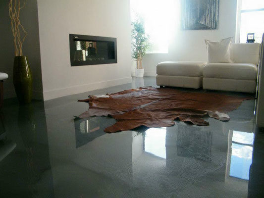 salon epoxy gris